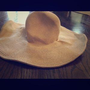Jcrew floppy beach hat. Foldable!